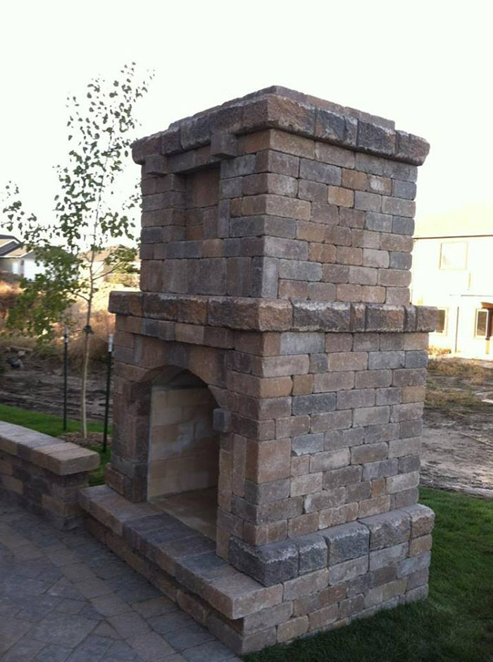Hardscape-King-Arthur-fireplace