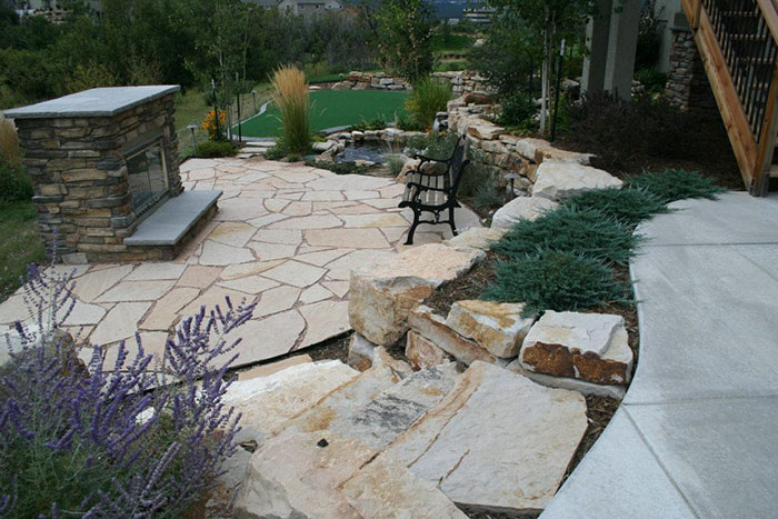 Hardscape-flagstone-patio