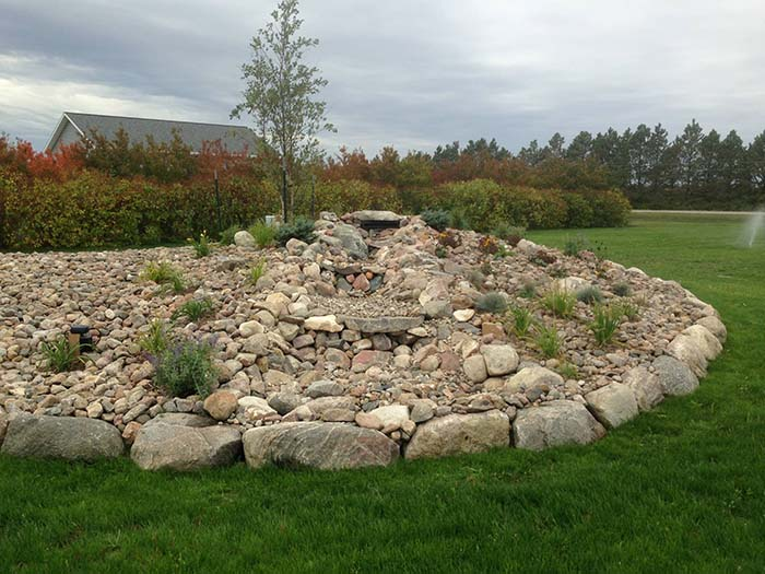 Residential-water-feature-with-rock